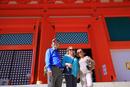 高野山の根本大塔と外国人観光客