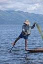 インレー湖の漁師