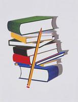 重ねた本と鉛筆