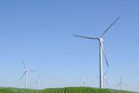 風車と畑 00268011087| 写真素材・ストックフォト・画像・イラスト素材|アマナイメージズ