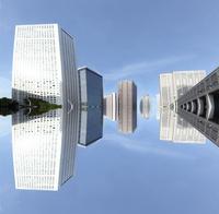 新宿ビル群の映り込み