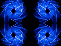 光の軌跡 00284000930| 写真素材・ストックフォト・画像・イラスト素材|アマナイメージズ