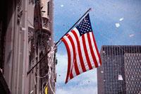 建物に掲げられた星条旗 ニューヨーク