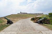 サンペドロデラロカ城と大砲 00293021346| 写真素材・ストックフォト・画像・イラスト素材|アマナイメージズ