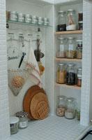 キッチンの棚の調理器具