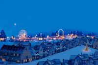 クリスマスの町並み 00299010516| 写真素材・ストックフォト・画像・イラスト素材|アマナイメージズ