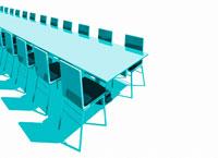 長いテーブルと椅子
