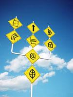 いろいろな記号が描かれた道路標識 CG