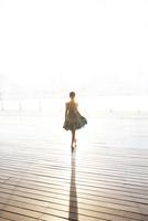 光の中の少女