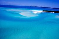 青い海と白い砂