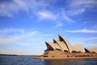 シドニーコーブよりオペラハウスを望む