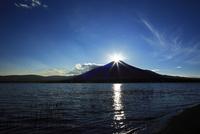 ダイヤモンド富士と山中湖