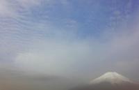 朝もやと富士山