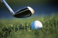 ゴルフボールとヘッド