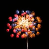 打ち上げ花火 00545010134| 写真素材・ストックフォト・画像・イラスト素材|アマナイメージズ