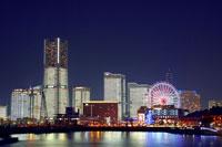 大桟橋ふ頭から見るみなとみらいの夜景