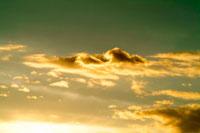 夕焼け雲 00556010218| 写真素材・ストックフォト・画像・イラスト素材|アマナイメージズ