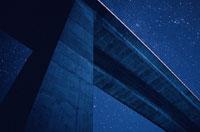 橋と星空 柏崎市 新潟県 00616010003  写真素材・ストックフォト・画像・イラスト素材 アマナイメージズ