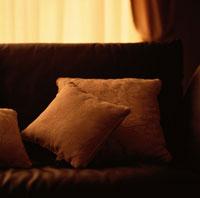 ソファーとクッション 00620000302| 写真素材・ストックフォト・画像・イラスト素材|アマナイメージズ