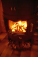 燃えるまきストーブ 00620000352| 写真素材・ストックフォト・画像・イラスト素材|アマナイメージズ