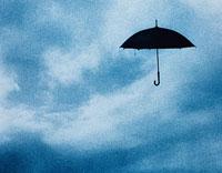 空に浮いた傘