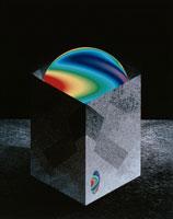 箱に入ったにじ色の球体 00684000609| 写真素材・ストックフォト・画像・イラスト素材|アマナイメージズ