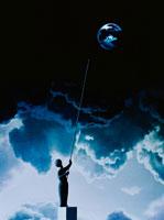 空の球体をつつく人   CG