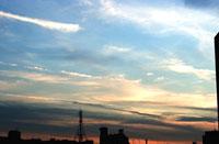 夕暮れの空と鉄塔