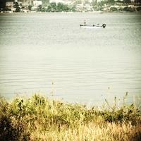 湖の釣り人 00693011836| 写真素材・ストックフォト・画像・イラスト素材|アマナイメージズ