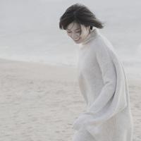 woman 00693012760| 写真素材・ストックフォト・画像・イラスト素材|アマナイメージズ