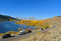 黄葉するスネークリバーとマウントモラン 00724012531  写真素材・ストックフォト・画像・イラスト素材 アマナイメージズ