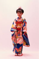着物を着た七五三の日本人の女の子