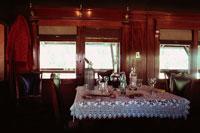 食堂車内のテーブルセッティング キンバリー 南アフリカ 00744010442| 写真素材・ストックフォト・画像・イラスト素材|アマナイメージズ