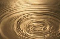 ゴールドの水紋 00744011882| 写真素材・ストックフォト・画像・イラスト素材|アマナイメージズ
