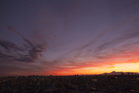 台風一過の夕焼け 00744012503| 写真素材・ストックフォト・画像・イラスト素材|アマナイメージズ