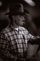 煙草を吸うカウボーイの外国人男性 00748000885| 写真素材・ストックフォト・画像・イラスト素材|アマナイメージズ