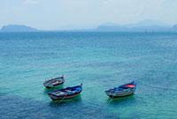 地中海に浮かぶ漁船