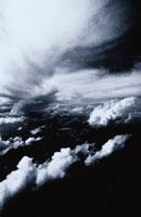 力強く流れる雲 南太平洋