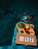 カラフルなおもちゃのロボット イラスト