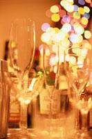 キャンドルやグラスのテーブルセッティング 00845000050| 写真素材・ストックフォト・画像・イラスト素材|アマナイメージズ