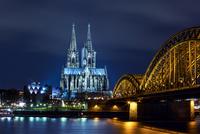 ケルン大聖堂とライン川の夜景
