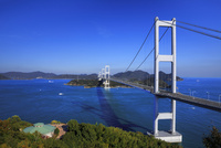 来島海峡大橋と瀬戸内海