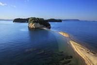 小豆島の朝日を浴びるエンジェルロード