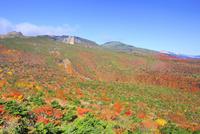 安達太良山の紅葉 01010026777| 写真素材・ストックフォト・画像・イラスト素材|アマナイメージズ