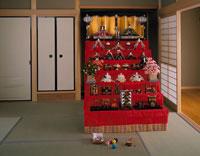 和室の7段飾りの雛人形