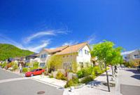 青空と住宅地