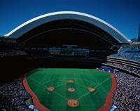 スカイドームでの野球 トロント カナダ