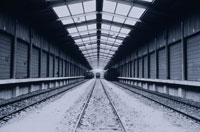 リヨン駅の待避線と雪 パリ フランス 01068003001| 写真素材・ストックフォト・画像・イラスト素材|アマナイメージズ