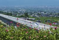 甲府盆地を走るリニア中央新幹線