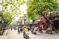 ハノイ市街とバイク